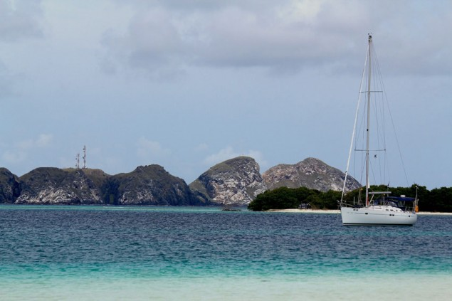 Gorgeous view of Gran Roque from Francisqui Island