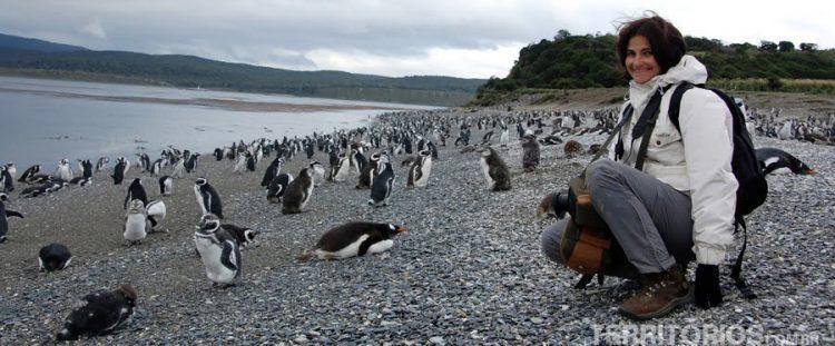 Roberta Martins at Ushuaia with penguins