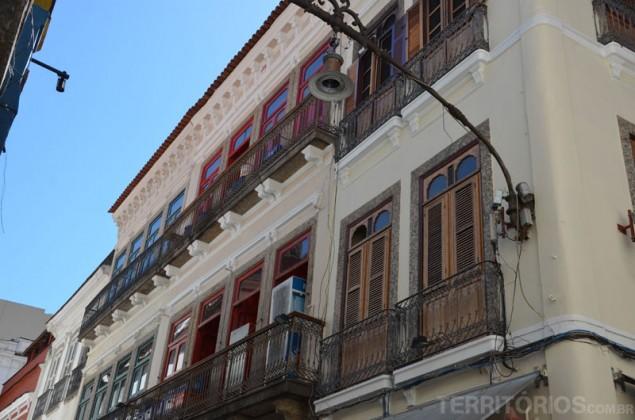 Colonial facades